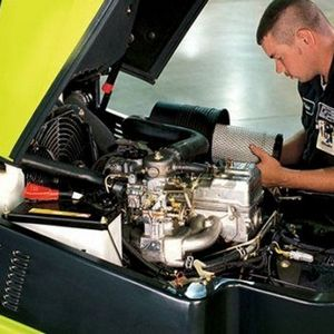 mecânico de manutenção de empilhadeira