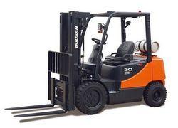 empilhadeira contrabalançada diesel ou glp